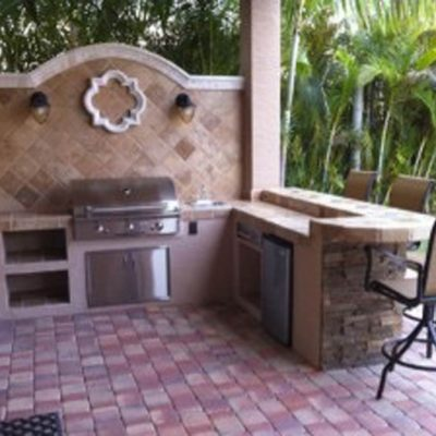 Custom Hardscape Outdoor Kitchen
